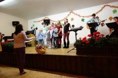 Kinderchor Laubach mit Regina Bauermann, unterstützt von Christine Barth, Claudia Born und Ute Uhri